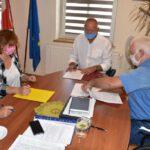 Podpisanie umowy - dach CKiB (1)