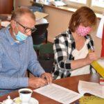 Podpisanie umowy - dach CKiB (7)