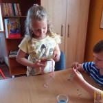 Robienie biżuterii na Dzień Matki (2)