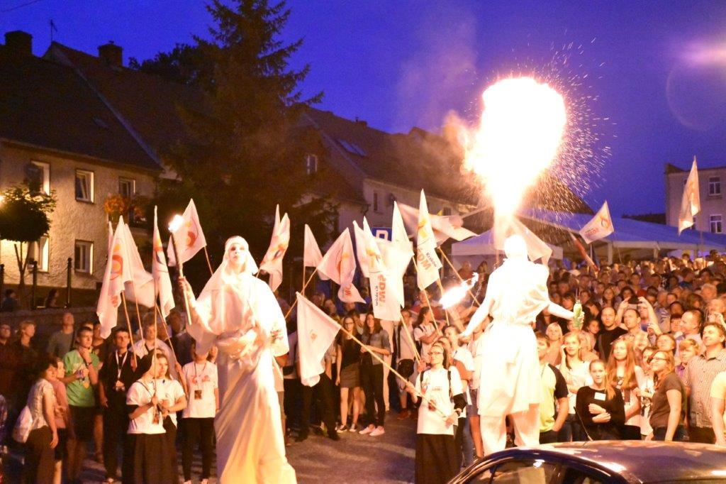ŚDM w Bardzie - Światło Ruch Ogień Dźwięk (2)