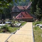 trwają prace na cmentarzu (23)