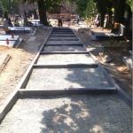 Remont alejek na cmentarzu (1)