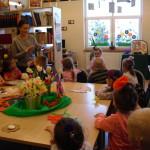 W wiosennej aurze w bibliotece (3)