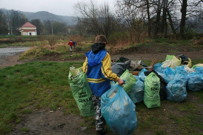Sprzątanie Nysy Kłodzkiej (6)