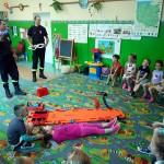 Wizyta strażaków w przedszkolu (10)