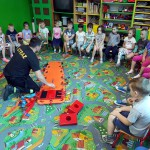 Wizyta strażaków w przedszkolu (12)