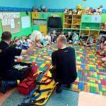 Wizyta strażaków w przedszkolu (14)
