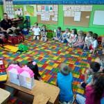 Wizyta strażaków w przedszkolu (16)