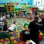 Wizyta strażaków w przedszkolu (2)