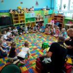 Wizyta strażaków w przedszkolu (20)