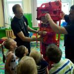 Wizyta strażaków w przedszkolu (23)