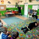 Wizyta strażaków w przedszkolu (27)