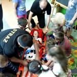 Wizyta strażaków w przedszkolu (28)