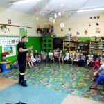 Wizyta strażaków w przedszkolu (30)