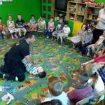 Wizyta strażaków w przedszkolu (38)