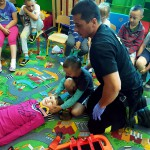 Wizyta strażaków w przedszkolu (5)
