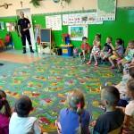 Wizyta strażaków w przedszkolu (7)