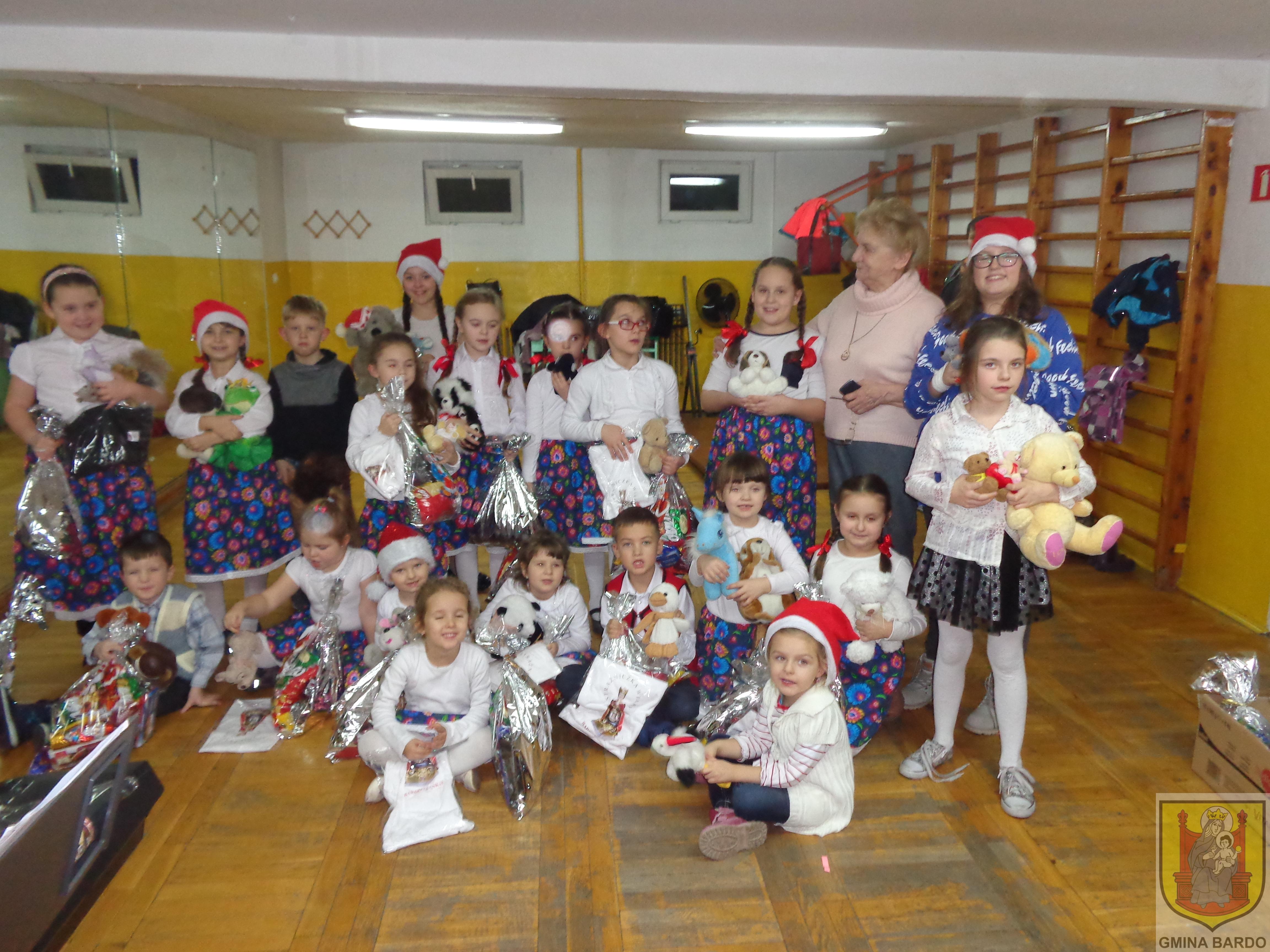 Mikołaj u wiolinkowych dzieci (6)