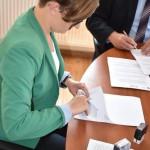 podpisanie umowy e uslugi 1 (1)